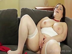 Wicked mommy dildo fucking cunt