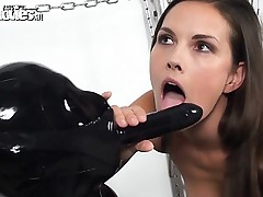 Leggy honey uses honey clothed in latex as a sex toy