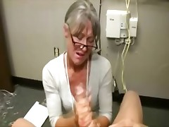 Granny gets cumshot from fortunate dude and actually loves it